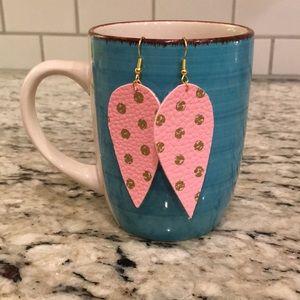 Pink polka dot faux leather earrings ❤️